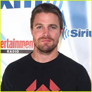 Stephen Amell Teases Emotional 'Arrow' Season Finale ...