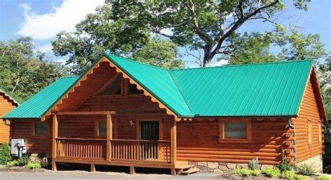 pet friendly cabins gatlinburg honey hideaway pet friendly gatlinburg cabin