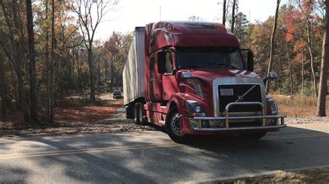 semi truck  wheeler backing    drive