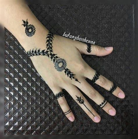Langkah 82 gambar henna yang simpel dan bagus terbaru yang utama adalah pastikan wajahmu dalam kondisi bersih sebelum memakai henna. Menakjubkan 30+ Gambar Henna Simple Dan Mudah