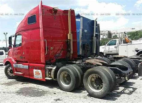 2004 volvo truck volvo vnl 2004 sleeper semi trucks