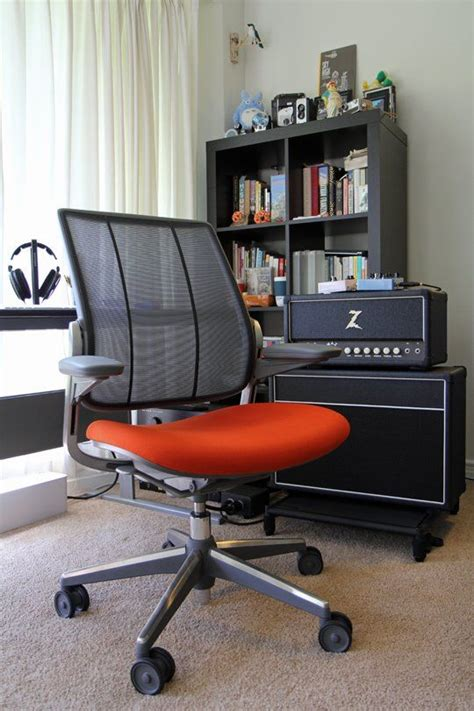 comfortably different humanscale diffrient smart chair