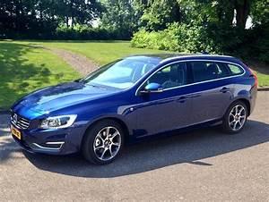 Volvo V60 Oversta Edition : gespot bij volvo cars nederland de nieuwe v60 ocean race edition in de exclusieve metallic lak ~ Gottalentnigeria.com Avis de Voitures