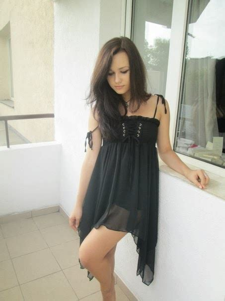 Amateur Modele Tv Pics And Galleries
