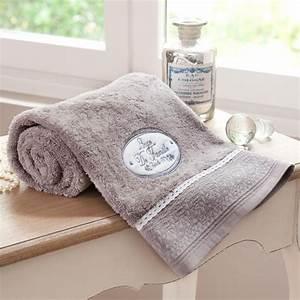 Serviette De Bain : serviette de bain 70 x 140 cm jeanne maisons du monde ~ Teatrodelosmanantiales.com Idées de Décoration
