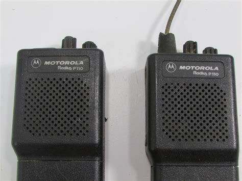 Motorola Mt1000 With Microphone Handheld 2 Way Radio Nmn6156b