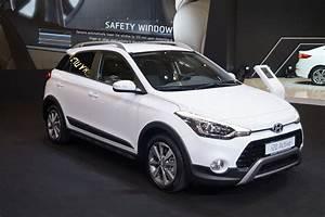 Hyundai I20 Blanche : plik hyundai i20 active prz d msp16 jpg wikipedia wolna encyklopedia ~ Gottalentnigeria.com Avis de Voitures