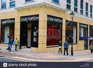Louis Vuitton Shop Berlin : louis vuitton shop front stock photos louis vuitton shop front stock images alamy ~ Bigdaddyawards.com Haus und Dekorationen