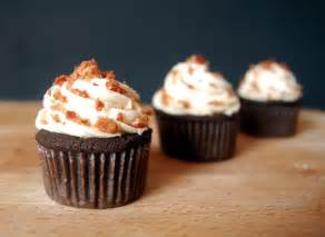 chocolate bacon cupcakes with maple frosting the novice chef