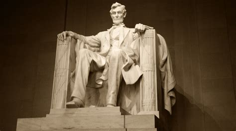 Lincoln Memorial to Undergo Major Renovation Thanks to $18 ...
