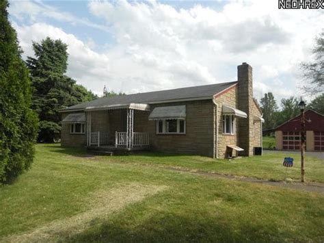 For Rent Youngstown Ohio by 2567 Homestead Rd Youngstown Oh 44505 Zillow