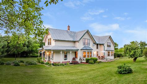pics of country houses farmhouses for sale 2017 country homes in every state