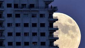 Closest Supermoon Since 1948 Arrives Monday  Tips On