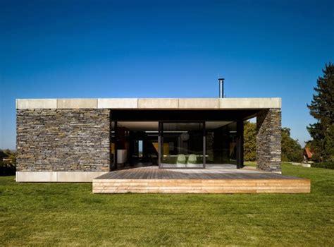 maison contemporaine en bois toit plat vous 234 tes int 233 ress 233 s par une maison toit plat 84 exemples pour votre inspiration archzine fr