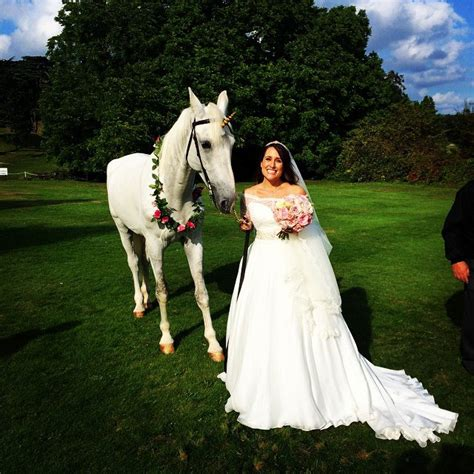 whats  difference   married  unicorn