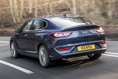New Hyundai i30 Fastback 2018 UK review - pictures