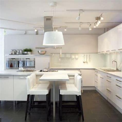 image cuisine ikea cuisine ikea découvrez le nouveau magasin 100 cuisine côté maison