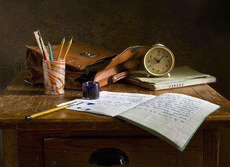 chaises bureau image libre sac en bois écrire livre horloge bureau