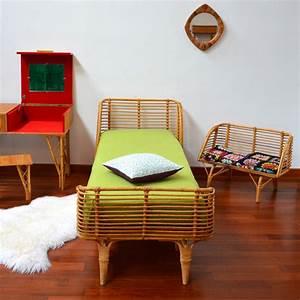 Lit En Rotin : lit en rotin petit banc vintage ~ Teatrodelosmanantiales.com Idées de Décoration