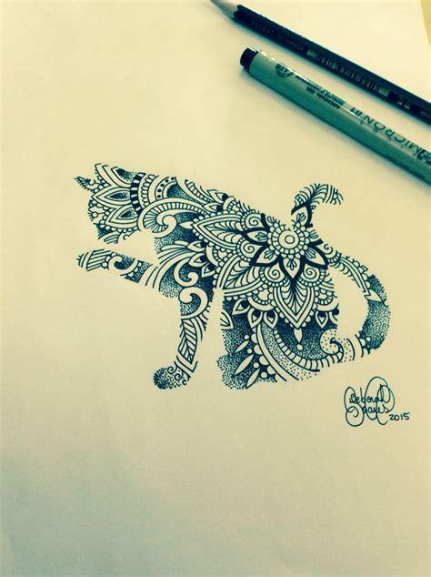 dessin tatouage mandala femme bras chat tatouage