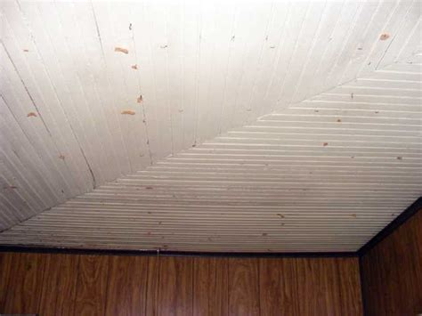 Old Beadboard : Destruction In The Sun Room