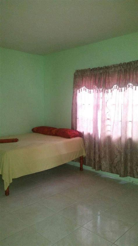 bedroom house  sale  mandeville jamaica manchester