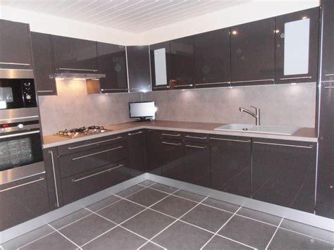cuisine de couleur couleur de meuble de cuisine hauteur meubles haut cuisine