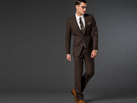 what color suit for picking the right suit colors to go with your skin