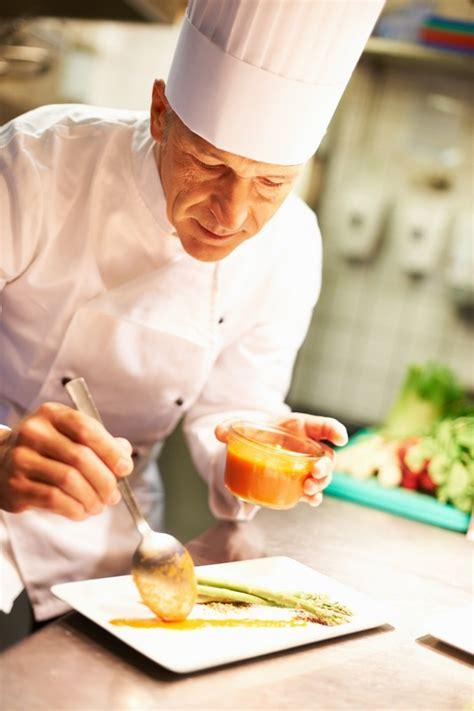 en cuisine by chef simon construction et mise en scène d un lignage dans le luxe