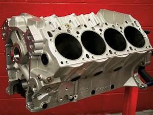 Chrysler Hemi Crate Engine