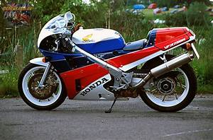 Honda Rc 30 : honda rc30 a modern classic ~ Melissatoandfro.com Idées de Décoration