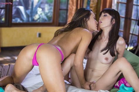 Asian Babes Db Very Sexy Asian Lesbian Sex Pictures