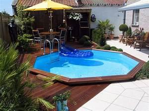 Piscine Bois Ronde : piscines en bois pour les jeux d 39 eau piscine jardin ~ Farleysfitness.com Idées de Décoration