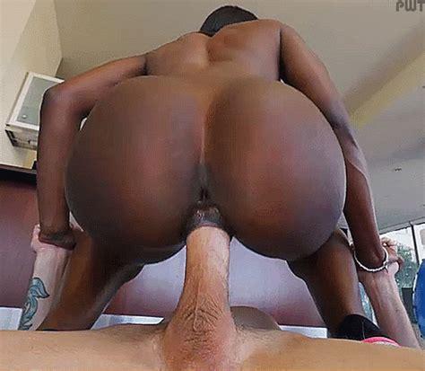 Ebony Pussy Gripping Creampie