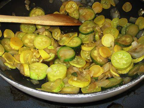 how to cook yellow squash how to boil yellow squash on the stove