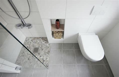 Kleines Bad Lösungen by Kleine Badezimmer L 246 Sungen