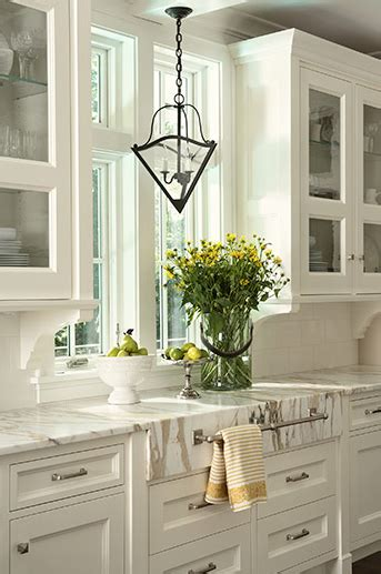Creamy White Kitchen Cabinets Design Ideas