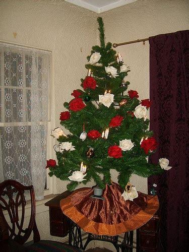 alice  wonderland christmas tree decoration ideas