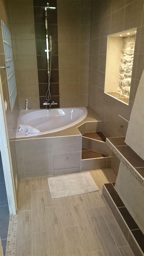 chambre baignoire balneo salle de bain de ma chambre parentale coin bain baignoire d 39 angle et pluie en