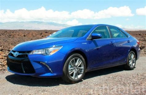 test drive  toyota camry hybrid combines style