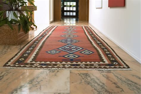 tapis de passage couloir maison design jiphouse