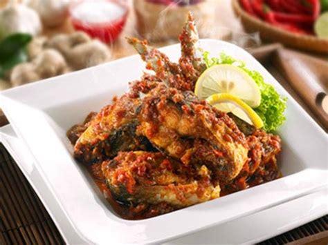 3 sudu makan bawang putih : Resep Masak Ikan Bandeng Pesmol - Masak Memasak