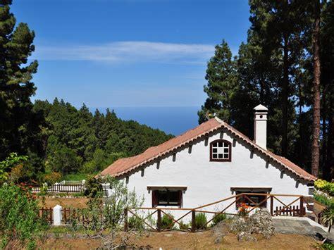 landhaus in den bergen kleines landhaus in den bergen in el aro mieten 1693169