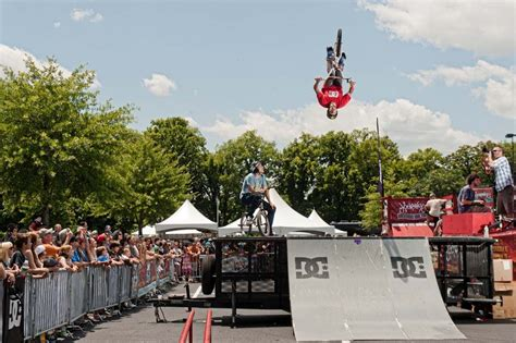 Dc Backyard Bbq by Dc Shoes Backyard Bbq Bmx Demo