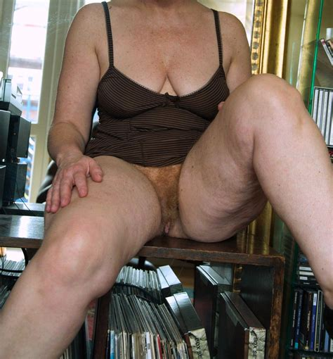 hairy porn pic no panties at home upskirt hairy pussy