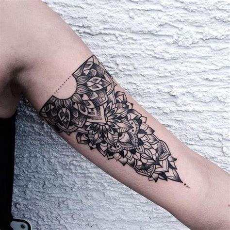 tatouage dentelle 224 l int 233 rieur du bras tatouage dentelle la tendance qui se brode sur la