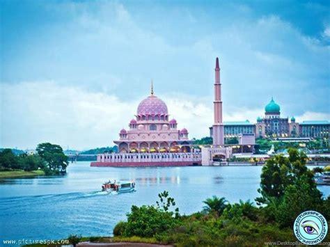 Beautiful Mosque Wallpaper by View Beautiful Mosque Wallpapers Picture Wallpapers In