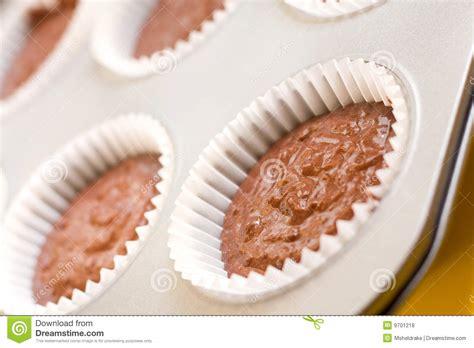baking time for cupcakes baking cupcakes royalty free stock photos image 9701218