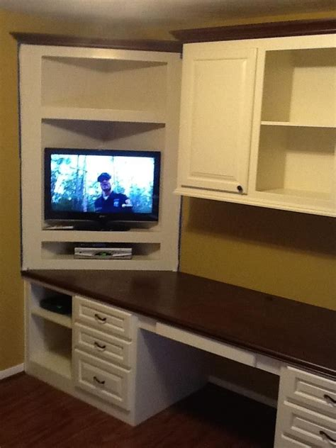corner tv shelf how to build a corner shelf for tv woodworking projects