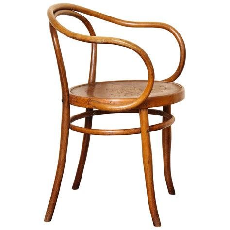 thonet chaise bentwood b 9 chair by michael thonet manufactured by